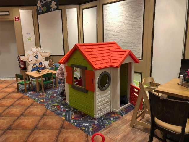 Cafe mit Spieleck Essen mit Kindern Restaurant Familienfreundlich
