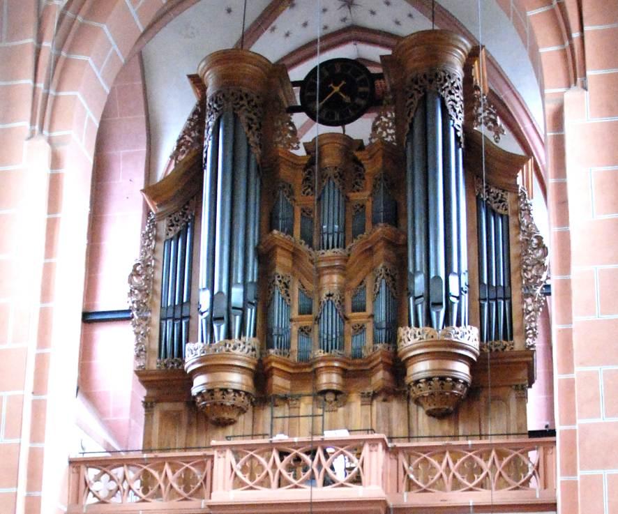 Die eindrucksvolle Orgel in Oberwesel.