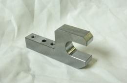 セットツメ - マシニングセンタ加工品