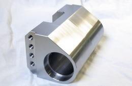 ハウジングブラケット - マシニングセンタ加工品