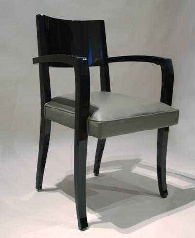 Stuhl einzeln schwarz Art Déco Wiesbaden Regine Schmitz-Avila