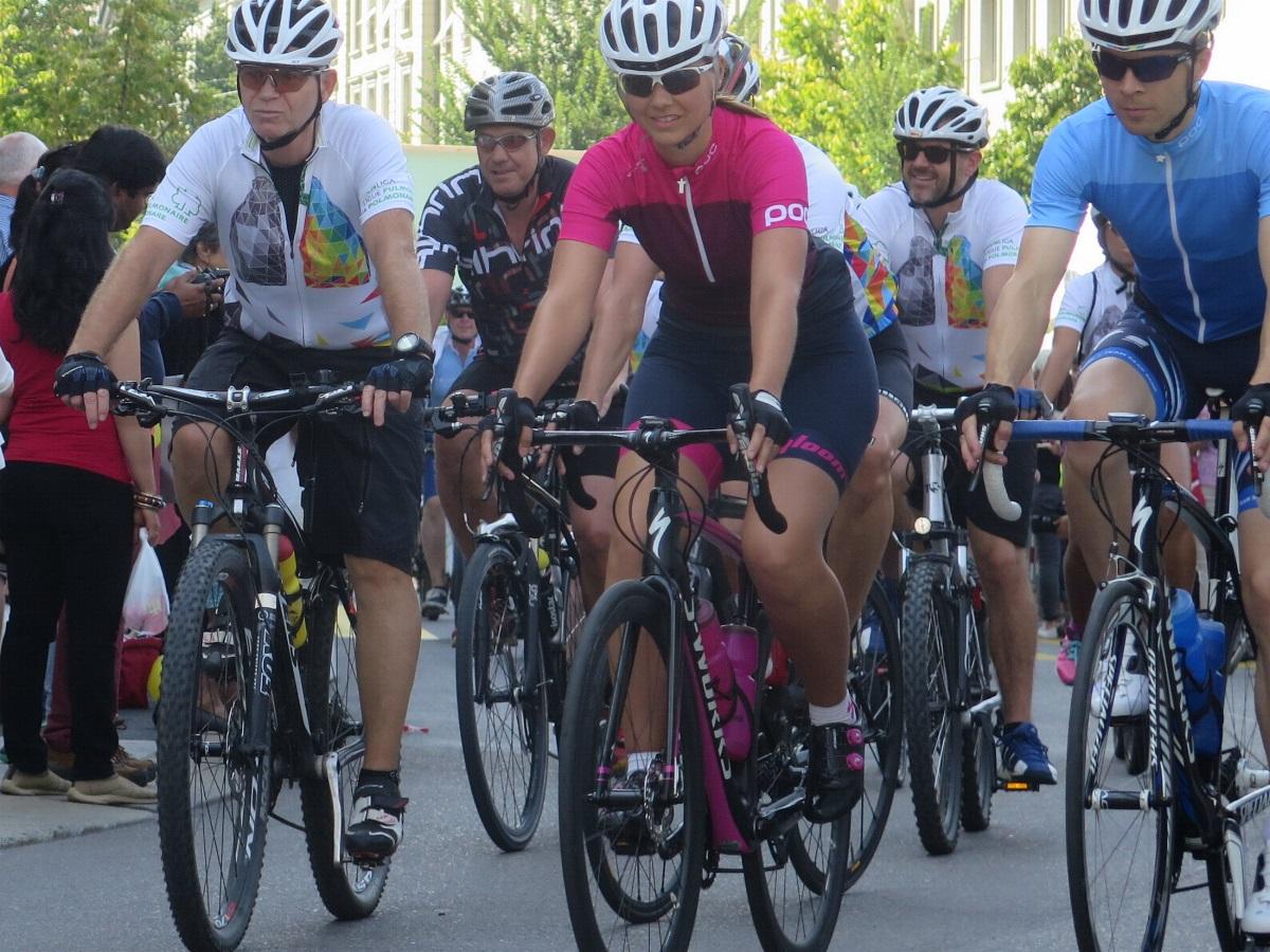 Radsportler helfen im Kampf gegen den Krebs
