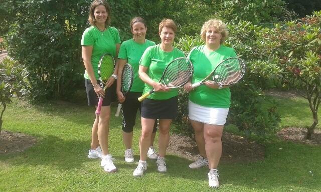 Die Damen 40 in der Saison 2014, von links: Simone Maaß, Sabine Krogmann, Gesa von Possel und Birgit Brusch.