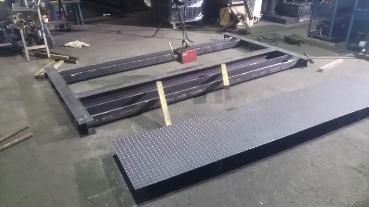 スロープ付きパレット