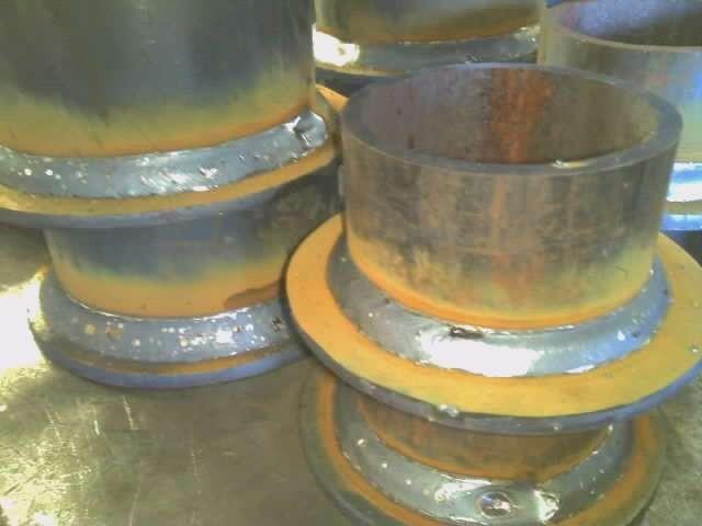 鋼管と鋼板の円周溶接 ポジショナーを使用しました