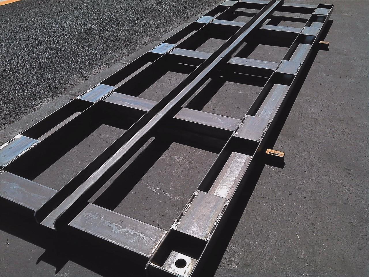 チャンネル100x50、125x65を中心に製作 設備搬送用架台