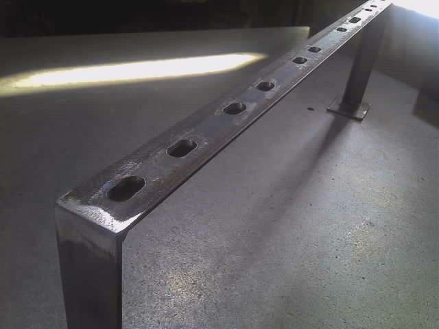アングル5x30x30 配管パイプ固定金具 長穴は機械加工