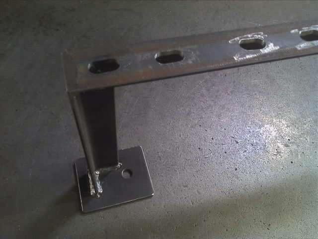 アングル5x30x30 配管パイプ固定金具 長穴、ボルト固定穴は機械加工