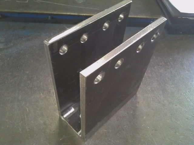 9mm鋼板 ウィンチ固定金具 10ミリ穴は機械加工