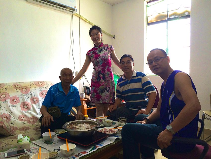 Gemeinsames Mittagessen mit Ting und Ihren Kollegen bei Onkel Li, Shenzhen