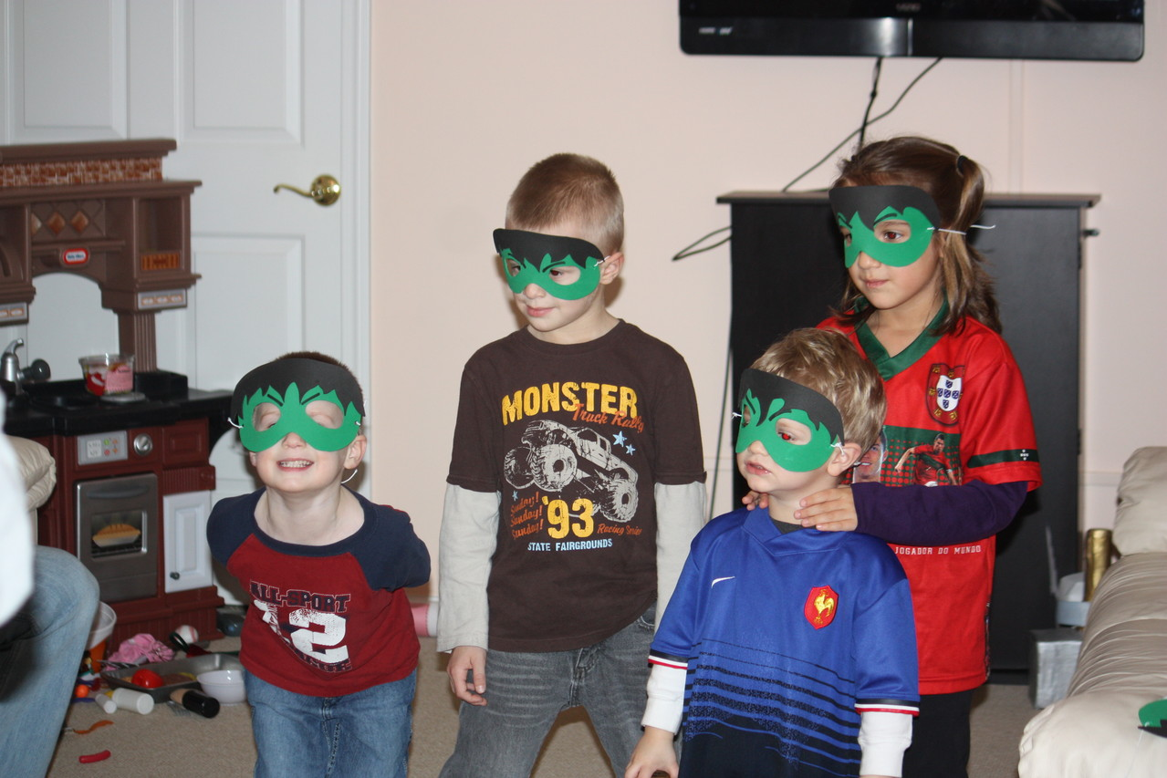 And of course, what would be an Avenger party without a Hulk smash!