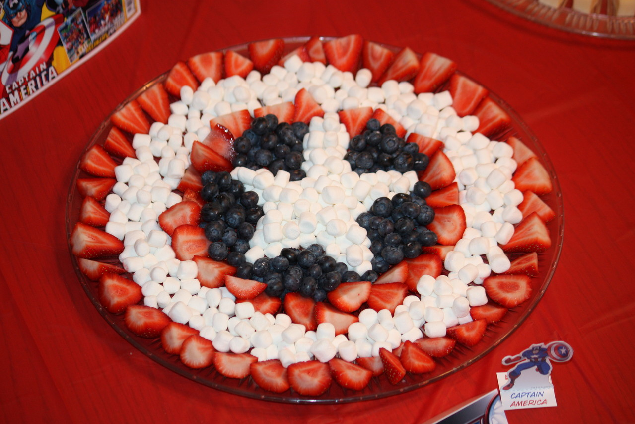 My fruit shield came out pretty cute... blueberries, strawberries and marshmellows.