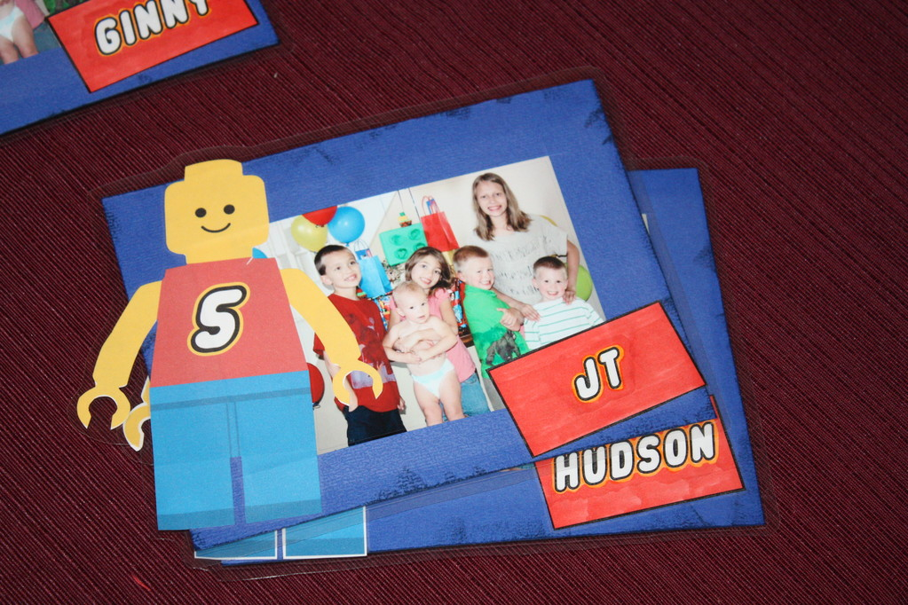 I always make some type of photo frame for the kids.. this was my make-shift lego one with the picture in it for each kid.