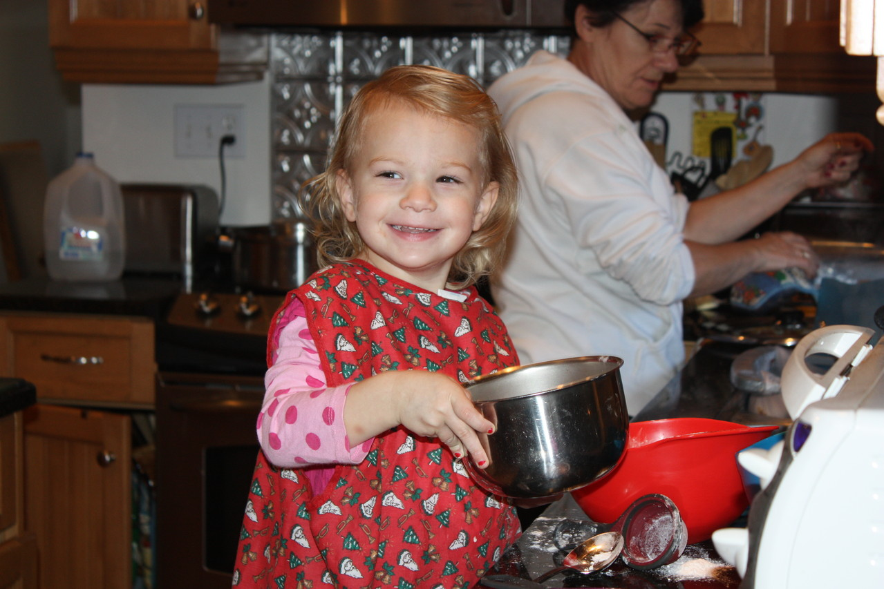 Lucia cooking with grandma