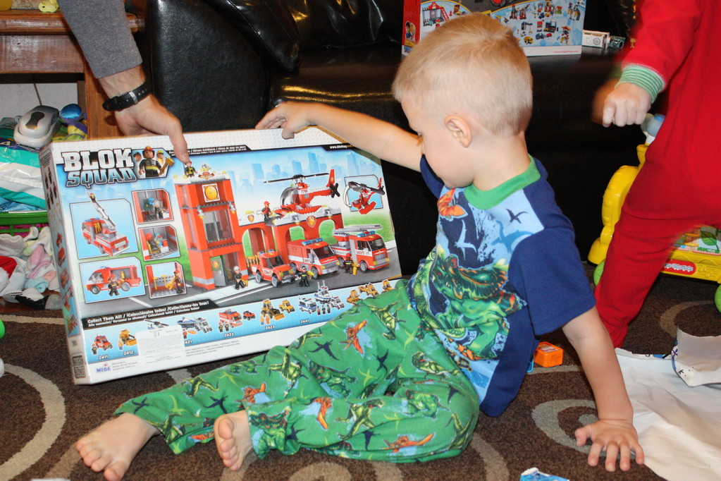 This was probably JT's favorite gift... he is totally into the lego thing now.