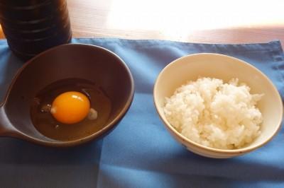 卵を割ります。