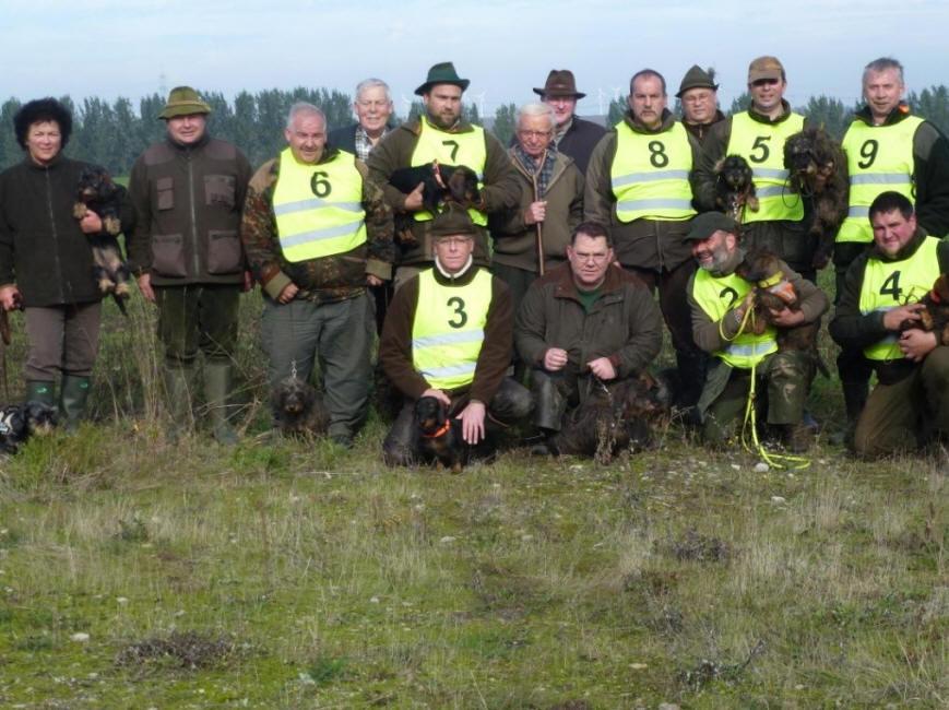 Gruppenfoto mit Teilnehmern der Spurlautprüfung