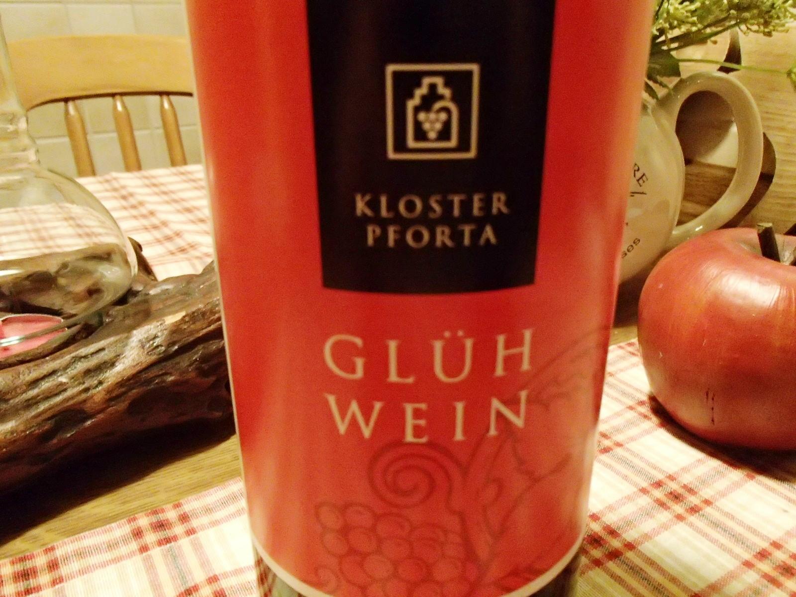 Erst wenige Stunden auf dem Markt, hier die allererste Flasche, die das Weingut verließ.