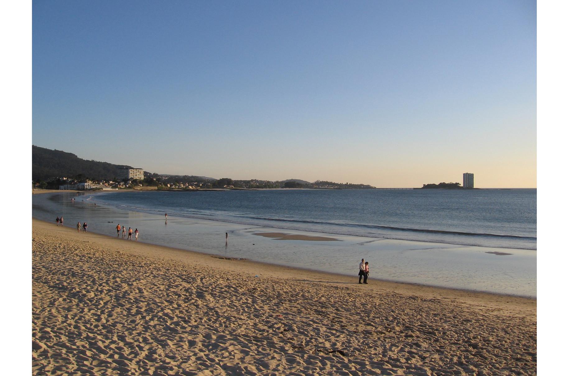 Vigo-Praia de Samil (a 57 km)
