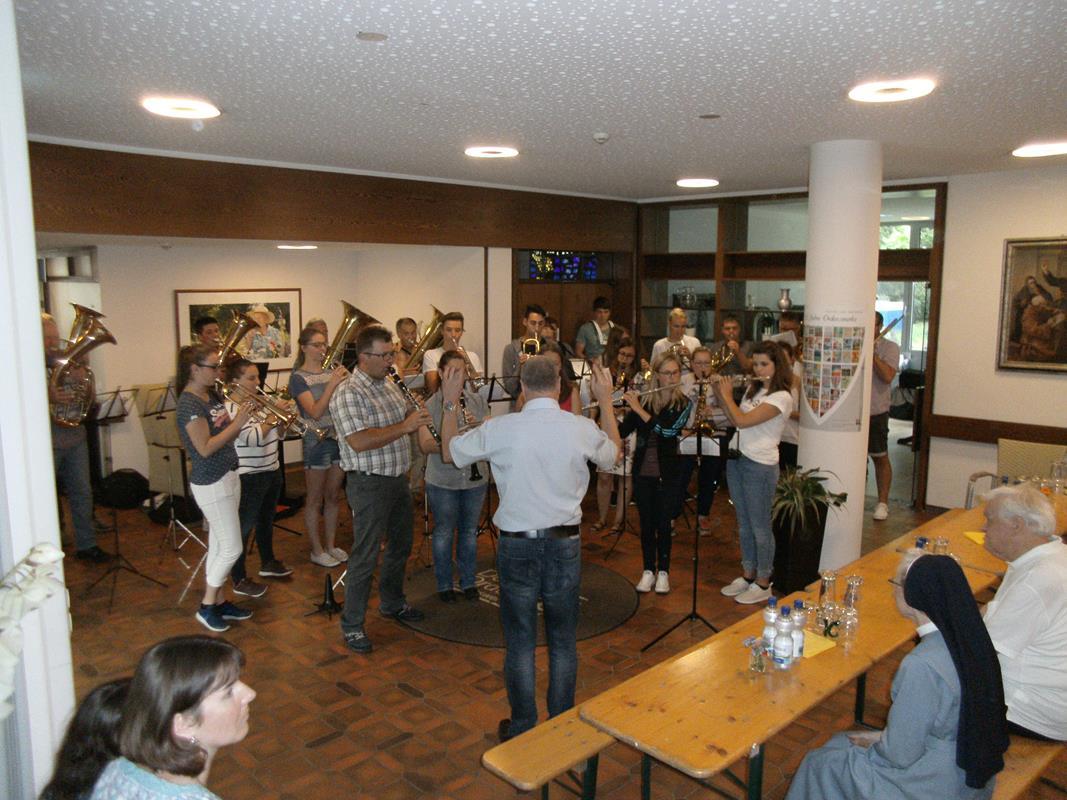Ständchen für Pfarrer Siegfried Knaus