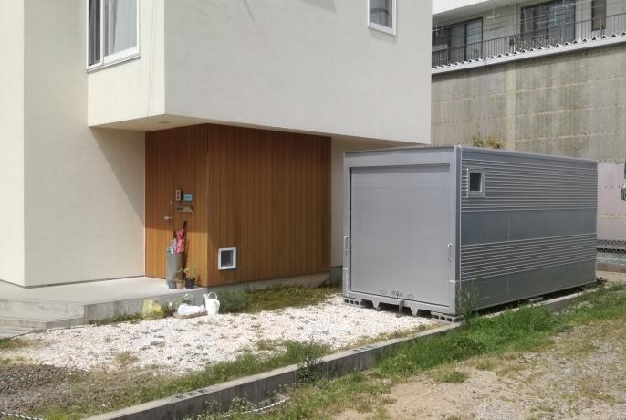 愛知県蒲郡市 中古2tアルミコンテナ設置