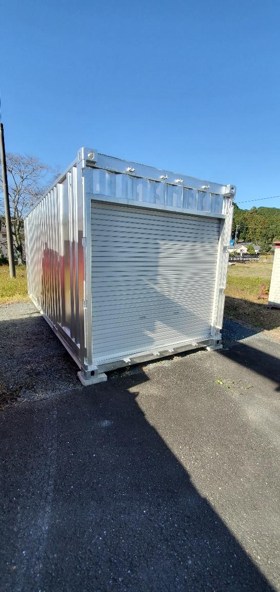 静岡県浜松市 中古コンテナ20ft妻シャッター付シルバー塗装設置
