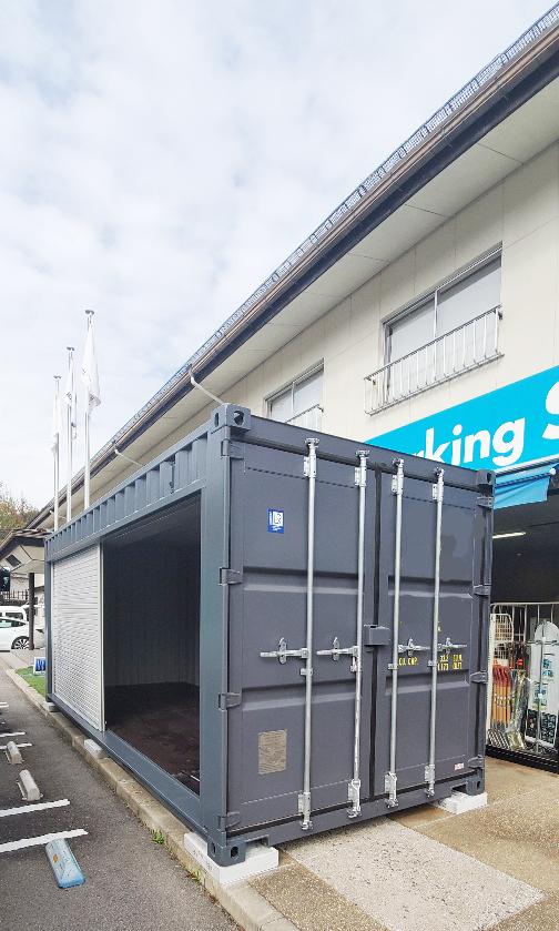 高山市江名子町 NEWVANコンテナ20ftフルシャッター付グレー塗装設置