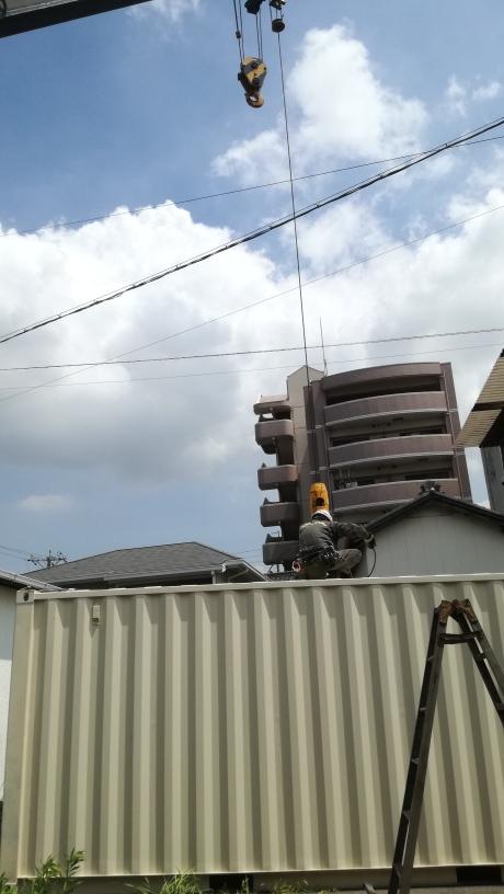 愛知県東海市 NEWVANコンテナ20ftアイボリー設置