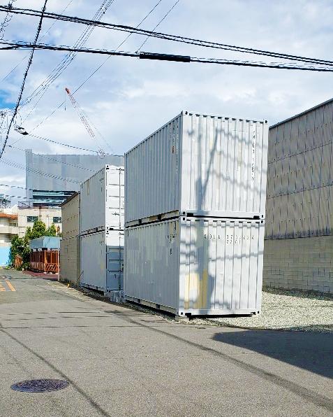 大阪市東淀川区 中古コンテナ現状品×4本2段設置