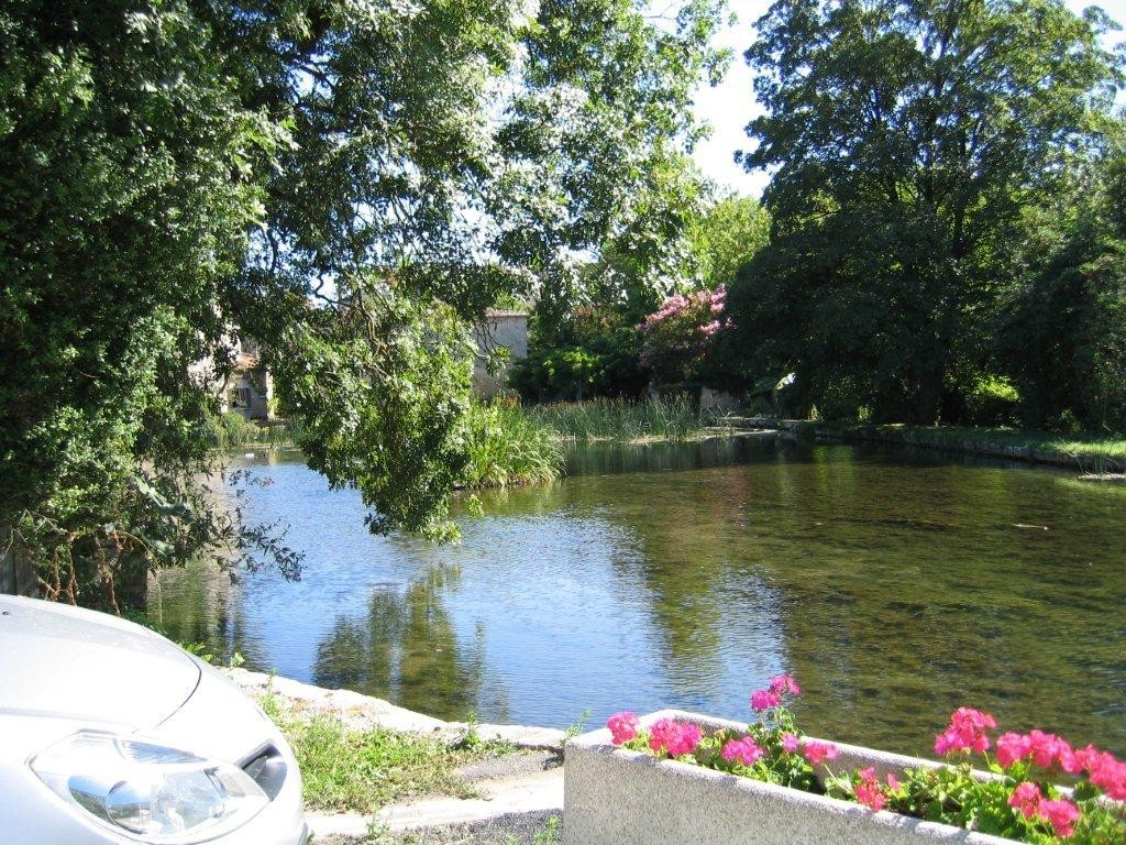 Le Romède à Veillard - Lors de la visite du Domaine Pautier (Pineau des Charentes et jus de raisin pétillant - EARL de La Romède à BOUG-CHARENTE)