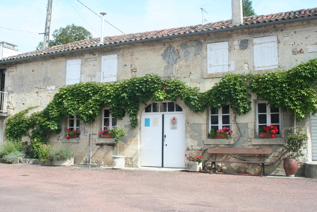La boutique - La cave - Le chai de vente du Domaine Pautier - Pineau des Charentes et Emous'tillant à Bourg-Charente (Cru Grande Champagne)