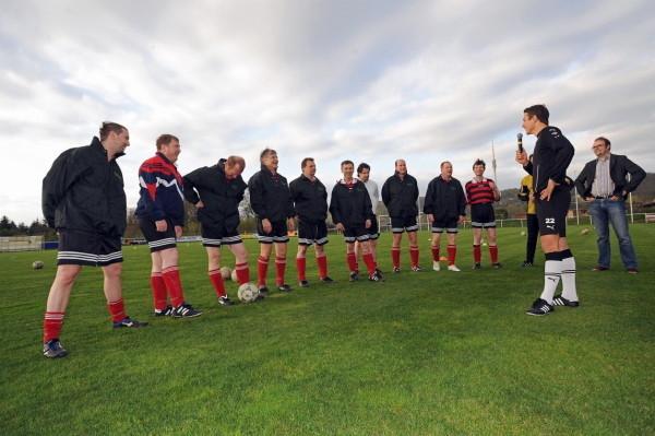 der FC Landtag beim Benefiz-Training mit Marc Hensel, Fotos: Maik Ehrlich