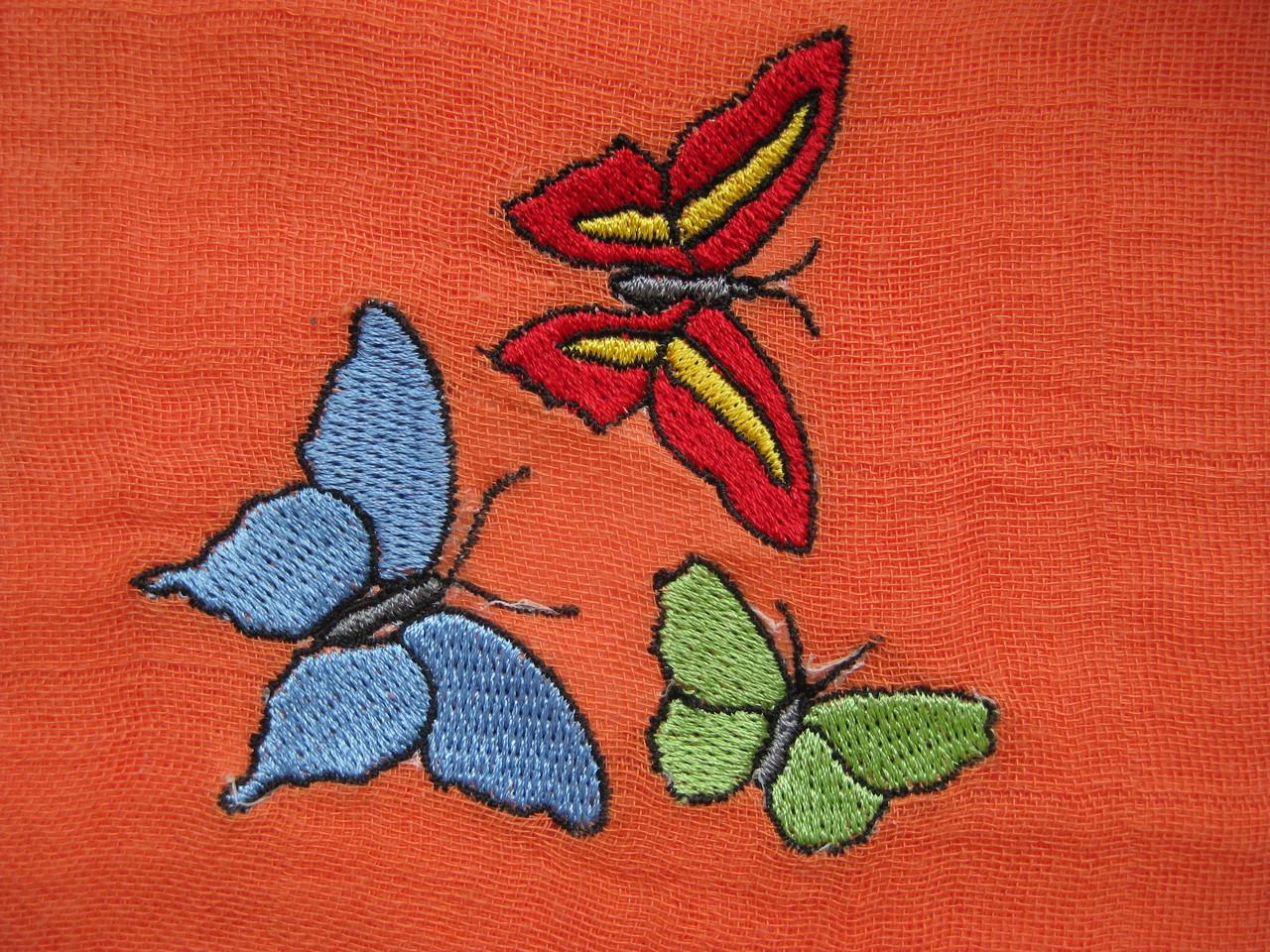 Schmetterlinge auf Nuscheli