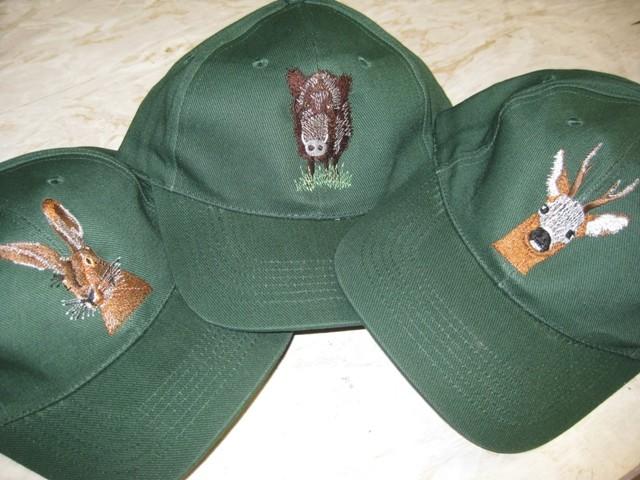 Cap mit Wildtieren