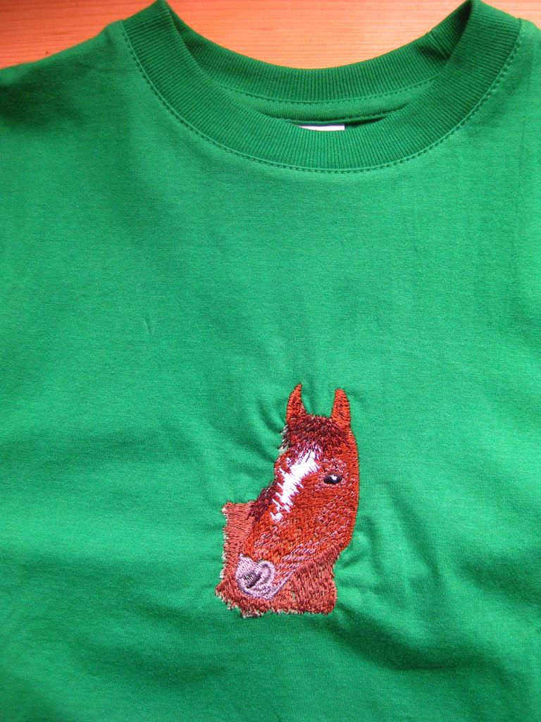 T-Shirt grün mit Pferd