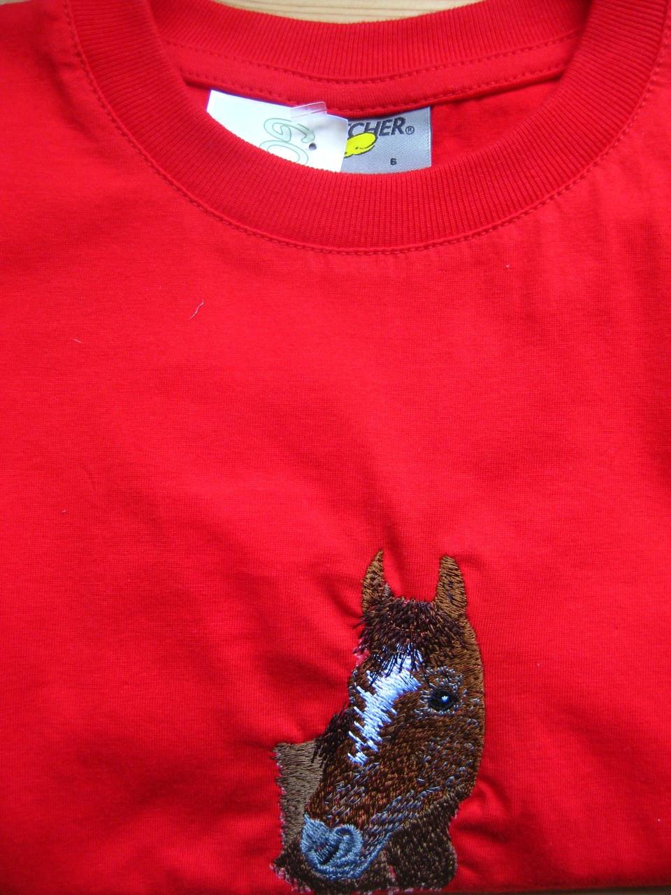 T-Shirt rot mit Pferd