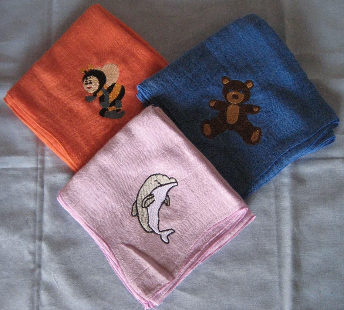 Teddybär, Biene Maja, Delfin auf Nuscheli