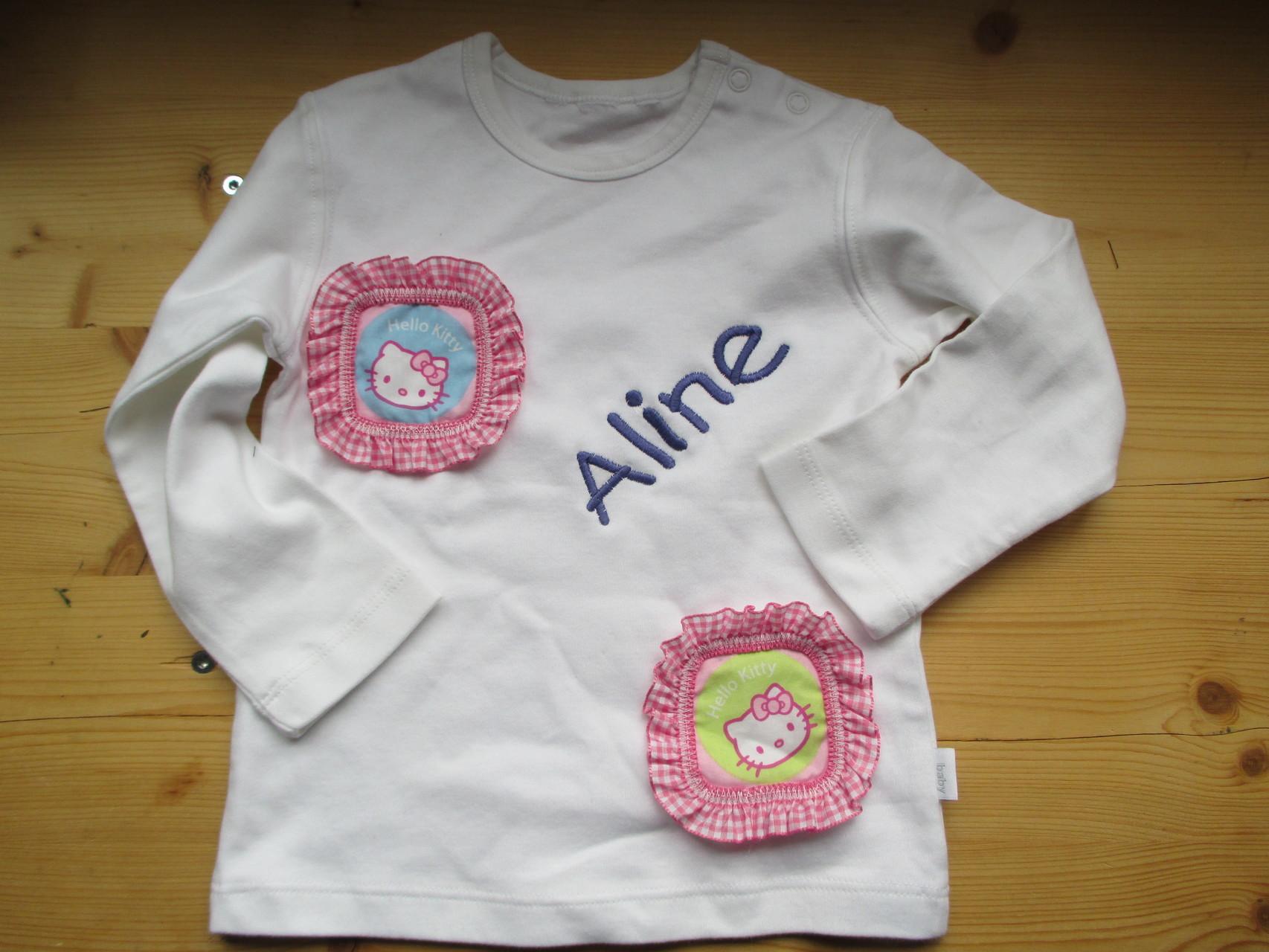 Kinderpullover mit Namen bestickt