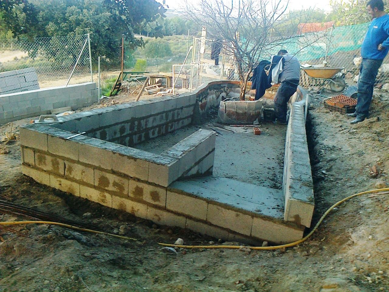 Barada por acceso al agua - Rampe d'accès du bassin