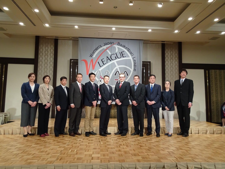 各チームヘッドコーチ(左から5人目 小嶋ヘッドコーチ)
