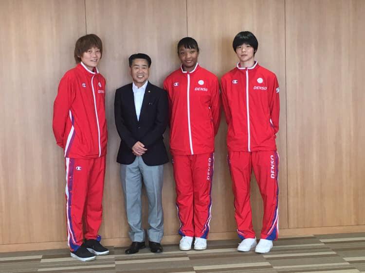 髙田選手、刈谷市議会 伊藤議長、オコエ選手、赤穂ひまわり選手