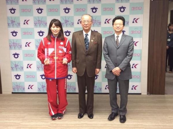 大庭選手、竹中市長、小島部長