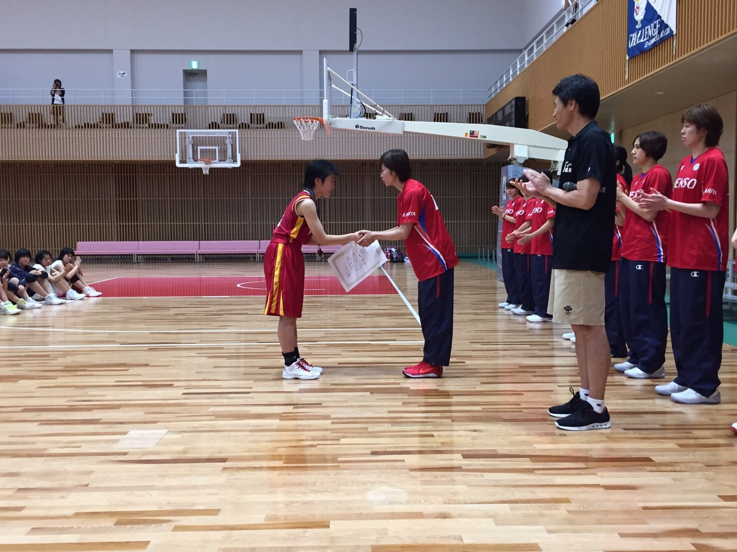 大会MVP「刈谷市立刈谷南中学校 #5脇田実郁選手」盾授与