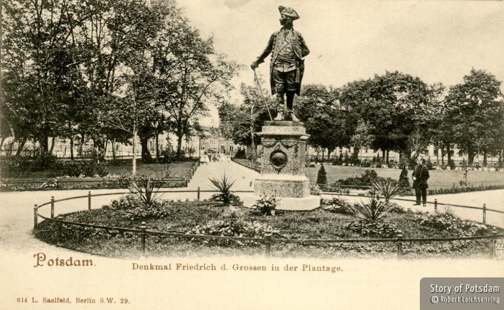 Potsdamer Friedrich-Denkmal auf der Plantage um 1903.
