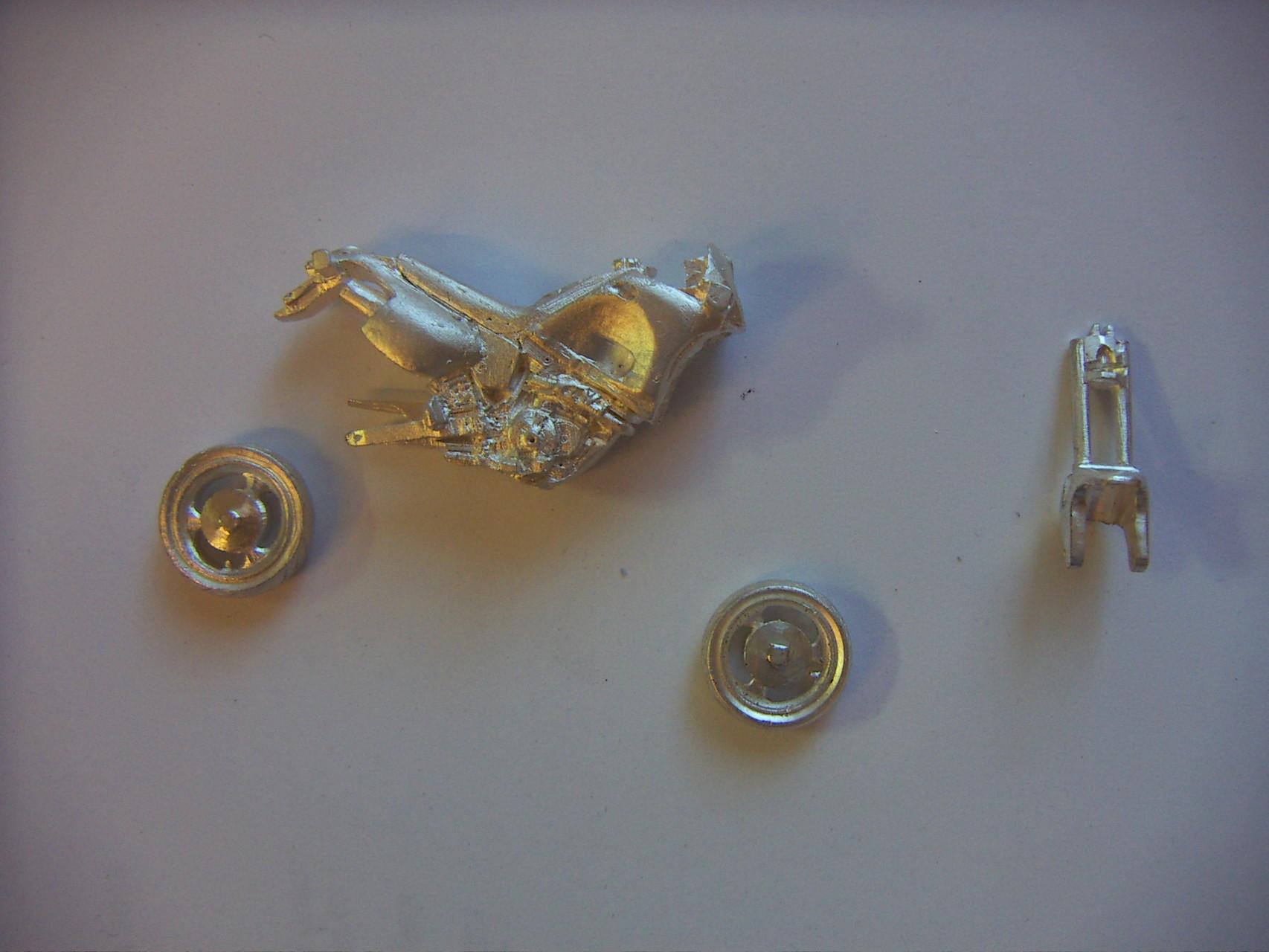 De verschillende onderdelen in zilver