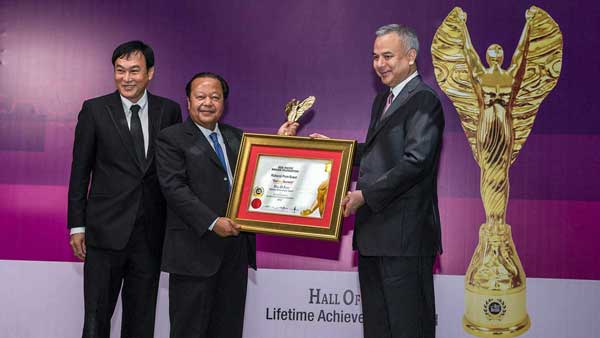 2019/10/14-International-Lifetime-Achievement-Award-BrandLaureate-2012-600x338.jpg