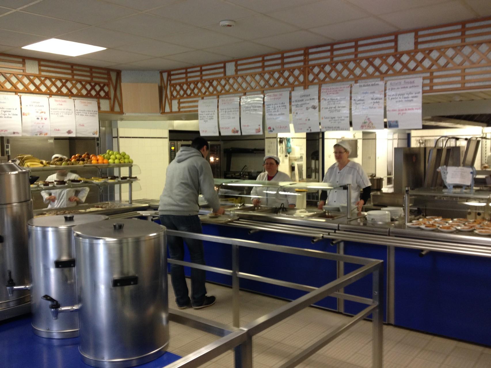 les agents qui servent plus de 1000 repas par jour