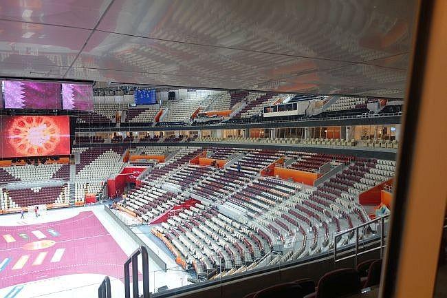 Beeindruckend ist das Volumen der Halle auch mit Blick aus einer VIP-Loge heraus