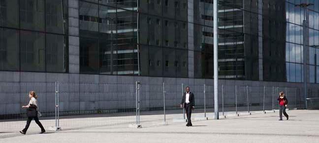 Place de la Défense 4, 2010, Color Print, 86 x 198 cm