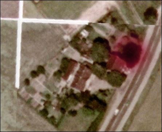 Quelle: www.luftbilder.geoportal.ruhr Die rot markierte Fläche zeigt den ehemaligen Standort der Blutbuche. Luftbildaufnahme von 1990